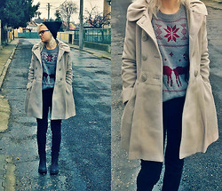 Veronika Pavlíková - New Yorker Coat, New Yorker Beanie, Pull & Bear Jeggins - Winter without snow ❄