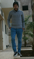 Nizar Bjh - Zara Basic Sweater, Samsoe Blue Vanvas, Jacob Black, Vans - Jacob is back again.