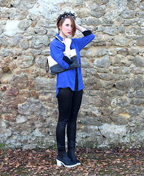 Slanelle L. - Jennifer Loiselle Crown On Etsy, Pepa Loves Blue Shirt, Primark Clutch, River Island Boots - A very blue Christmas