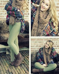 Valerie A - Woolen Scarf, Ugg Uggs, H&M Green Jegging, Oversized Houses Cardigan - Home Is Where The Heart Is