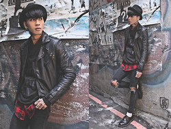 IVAN Chang - New York Hat Black, Tastemaker 達新美 Black Leather Jacket, Tastemaker 達新美 Black Sweater, Vintage Plaid Shirt, Topshop Black Skinny Jeans, Dr. Martens Black Shoes - 020114 TODAY STYLE