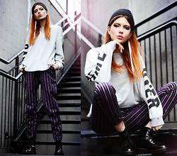 Ebba Zingmark - Frontrowshop Sweater, Alice's Pig Pants, I Love Shoes Vegan Boots, Suzywan De Luxe Earring - GAME OVER