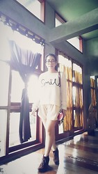 Zahira O - New Look Smile Sweater, Cream Shorts, Utopia Eyelash Bag, Garbo Velvet Boots - The First Snow