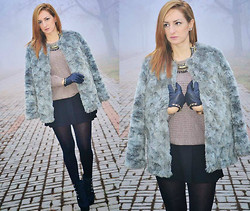 Inside the B World - H&M Fur Coat, Bershka Necklace, Duki Dasso Gloves, H&M Skirt, Boots - Furry