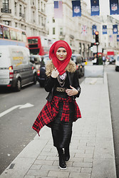 Nabiila Bee - Moschino Belt, New Look Boots, Tartan Shirt - It's a cold heart, when nobody holds you