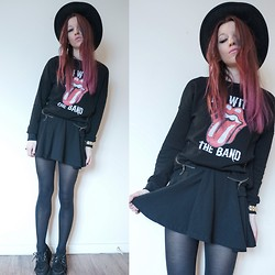 Agata P - Sweatshirt, H&M Skirt, Primark Creepers - I'm With The Band