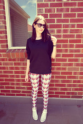 Hayley M - House Of Harlow Sunglasses, Bonds Sweater, Black Milk Clothing Soup Leggings, Asos Sneakers - Soup street