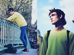 Florentin Glémarec - Uniqlo Sweat, Cheap Monday Blue Jeans, Vans Shoes, Esprit Bag - Solitaire