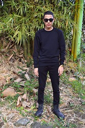 Wesley X. Torres - 21 Men Sweatshirt, 21 Men Black Jean, 21 Men Black Boots - Black In Nature