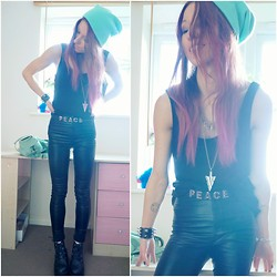 Agata P - Black Pants, H&M Beanie, Primark Peace Belt - The Curse Of The Hex