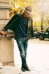 Julian Hernandez - Abrage Top, Vintage Leather Jacket, Weekday Jeans, Aldo Boots - AUTUMN AIR