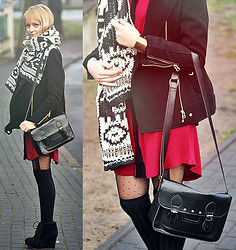 Marzena K. - Sinsay Maroon Tunic, H&M Black Coat, Sinsay Bag, Oasap Tights, Czasnabuty Black Wedges, No Name Pattern Scarf - Black_White_Maroon