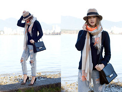 Alison Hutchinson - Holt Renfrew Hat, Gap Scarf, Kate Spade Bag, One Teaspoon Jeans - A Touch of Brightness