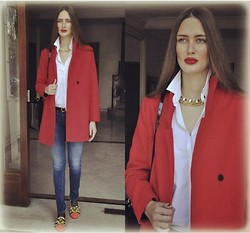 Amina Allam - Choies Red Coat, Ds Creations Statement Necklace, La Redoute Maroc Men's Shirt, Dylan George Slim Jeans, Christian Louboutin Studded Slippers, Christian Dior Lady Bag - Red coat & studded slippers