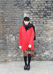 M . - Prada Bag, Topshop Boyfriend Coat, Plaid Scarf - Near The Shard.