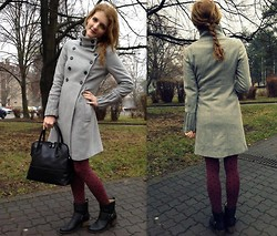 LOVERENCE Andrea Jelenská - Zara Coat, Mariposa Bag, Calzedonia Stockings - Damp and cold