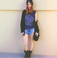Ms. Morgan Ryan - Brandy Melville Usa La Beanie, Urban Outfitters Astrology Muscle Tank, Brandy Melville Usa Wool Cardigan, Vintage Denim Cutoffs, Aldo Green Suede Combat Boots, Aldo Black Satchel - PsyCHIC