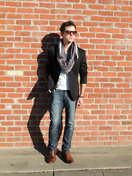 Stephen T - Express Photographer Fit Jacket, H&M Striped Cotton Scarf, H&M Cotton Stretch Vneck, Joe's Jeans Light Distressed And Faded Brixton Fit, Cotton On Tortoiseshell Wayfarers, Penguin Brown Oxfords, Vintage Silver Chain Bracelet, Tigers Eye And Onyx Bracelet - Is there a little piece of Paris in my future?