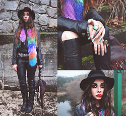 Muzzy Stardust - Multi Color Mongolian Fur Collar, Free People Vegan Leather Pants, Vintage Hat, Spell And The Gypsy Collective Dreamweaver Bag, H And M Jacket - Luckydutch