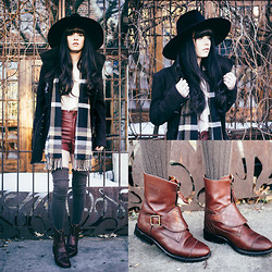 Rachel-Marie Iwanyszyn - Zara Coat, Crossroads Scarf, Ti Mo Socks, Chanel Boots, Unif Hat - STEP OUT INTO THE WILD.