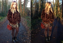 Kayleigh Jean - H&M Faux Fur Jacket, Topshop Sparkly And Velore Dress, The Bridge Vintage Bag, H&M Sparkly Tights, New Look Military Style Boots - Sparkles & Fur