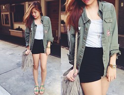 Dee Tiamson - Greenhills Army Coat, Forever 21 Bullet Necklace, Casio Gold Watch - Army