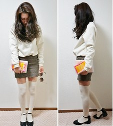 Alice S - White Pullover Somewhere In Korea, Sheinside Plaid Skirt, Topshop Shoes - Going to park to read