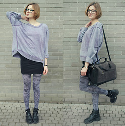 Justyna Ż. - Diy Tights, Deezee Boots, Diy Dyed Blouse - Smoky Tights