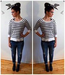 Oona P - H&M Sweater, Seppälä Boyfriend Jeans, Vagabond Heels - What can I say? This house is falling apart