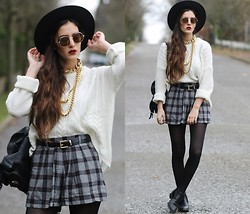 E V - Chic Wish Sweater, Choies Plaid Skirt, Zalando.Be Cut Out Shoes - CHECK IT