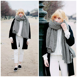 Typhaine - Frontrowshop Scarf, Monoprix Coat, Frontrowshop Sweater, Vintage Pants, Topshop Slip On - Station