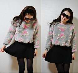 Alice S - Somewhere In Korea, Topshop Skater Skirt - Fluffy roses