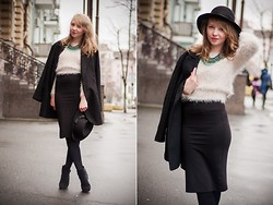 Victoria S -  - Fluffy sweater, rainy winter