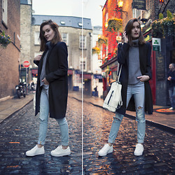 Anouska Proetta Brandon - Choies Knit, Asos Shoes, Zara Coat, Parfois Bag - Temple Bar.