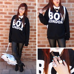 Danii Luo - Boy London Sweatshirt, Grafea Bag, Lovisa Rings, Romwe Necklace - NEW BLOOD