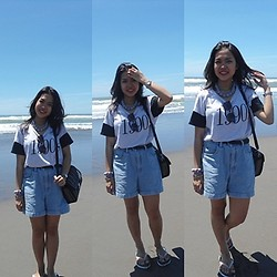 Syuri Khodijah Nurjanah - Casio Watch, Bag From Aceh, Sandal 'Dadakan' Beli, Flashy 90's Tees, Accesories From Malioboro, Yogyakarta - Imma Beach. (At Parangtritis Beach, Yoyakarta)