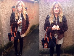 Kayleigh Jean - Urban Outfitters Bag, H&M Sweater Dress, H&M Faux Fur Jacket, New Look Boots, Topshop Chunky Chain Necklaces, Topshop Purple Lipstck - In the Middle