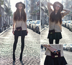 Katerina Kraynova - Vesst Skirt, Wowvintage Sunglasses, Jollychic Bag, Sheinside Sweater - Oversized Knit #2