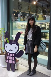 Emma Jhong - Boots, Skirt, Coat - 01/15/2014 happy smile