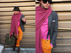 Dario Fattore - Borsalino Hat, H&M Braces, Vivienne Westwood Naracamicie Shirt, Prada Loafers, Dior Homme Gallo Socks, Zara Tailormade Skarf, Balenciaga Luigi Sciorio Leather Bag, Fred Perry Persol Sunglasses - I want a life full of colors