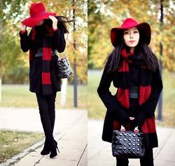 Aibina Yeshkeyeva - Massimo Dutti Red Hat, Zara Scarf, Stradivarious Coat - RED HAT