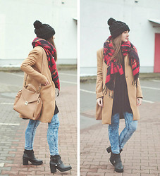 Maddy C - Coat, Jeans - Casual.