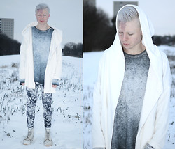 Samuel Friberg - Gina Tricot Hoodie, Topman Sweater, Gina Tricot Marble Printed Leggings, Dr. Martens Mono Boots - Frost