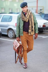 Reider Robert - Hermës Scarf, Zzegna Pants, Massimo Dutti Shoes, Gant Shirt, Zara Gloves, Zara Jacket - Winter effect!