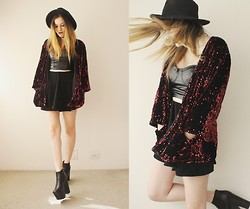 Jacqueline Illoz - Motel Rocks Sequined Kimono, Choies Velvet Skirt, Romwe Leather Bralet, Oasap Hat - Don't let me down