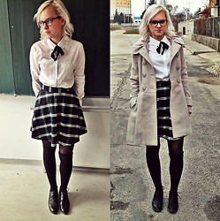 Veronika Pavlíková - New Yorker Plaid Skirt, White Shirt, New Yorker Coat, Shoes - Like a School Uniform!