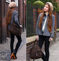 Ariadna M. - Springfield Black Marla Boots, Springfield Simple Grey Coat, Springfield Brown Suede Bag, Springfield Black Pants, Stradivarius Beige Wool Cap, Beige Gloves - Simple