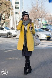 Queen Horsfall - Zara Knit, Kate Spade - Seoul Street Fashion by SOLSOL