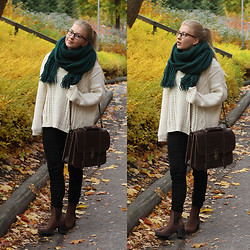 Joanna M - Monki Scarf, Monki Knit, Gina Tricot Jeans, Nude Booties, Grafea Satchel - OCTOBER