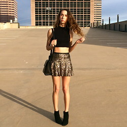 Jade Taylor-Allred - Alexander Wang Crop Top, Zara Sequin Skirt, Cynthia Rowley Ankle Booties, Kenneth Cole Cross Body Bag - Golden Hour